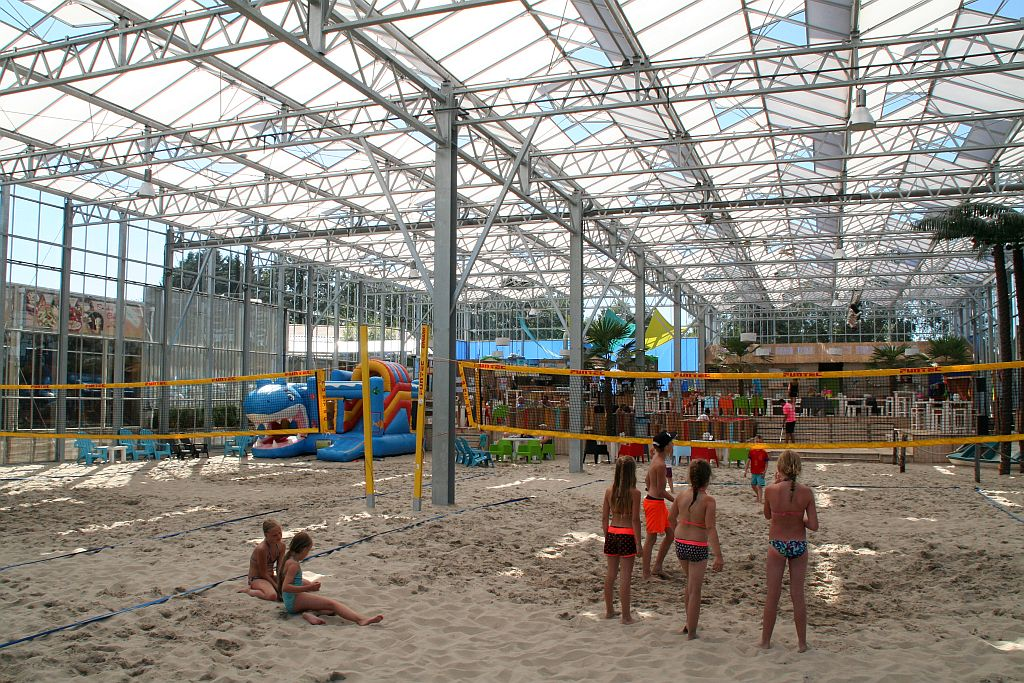 Indoor strand, dat is toch uniek in Nederland! - Indoor strand