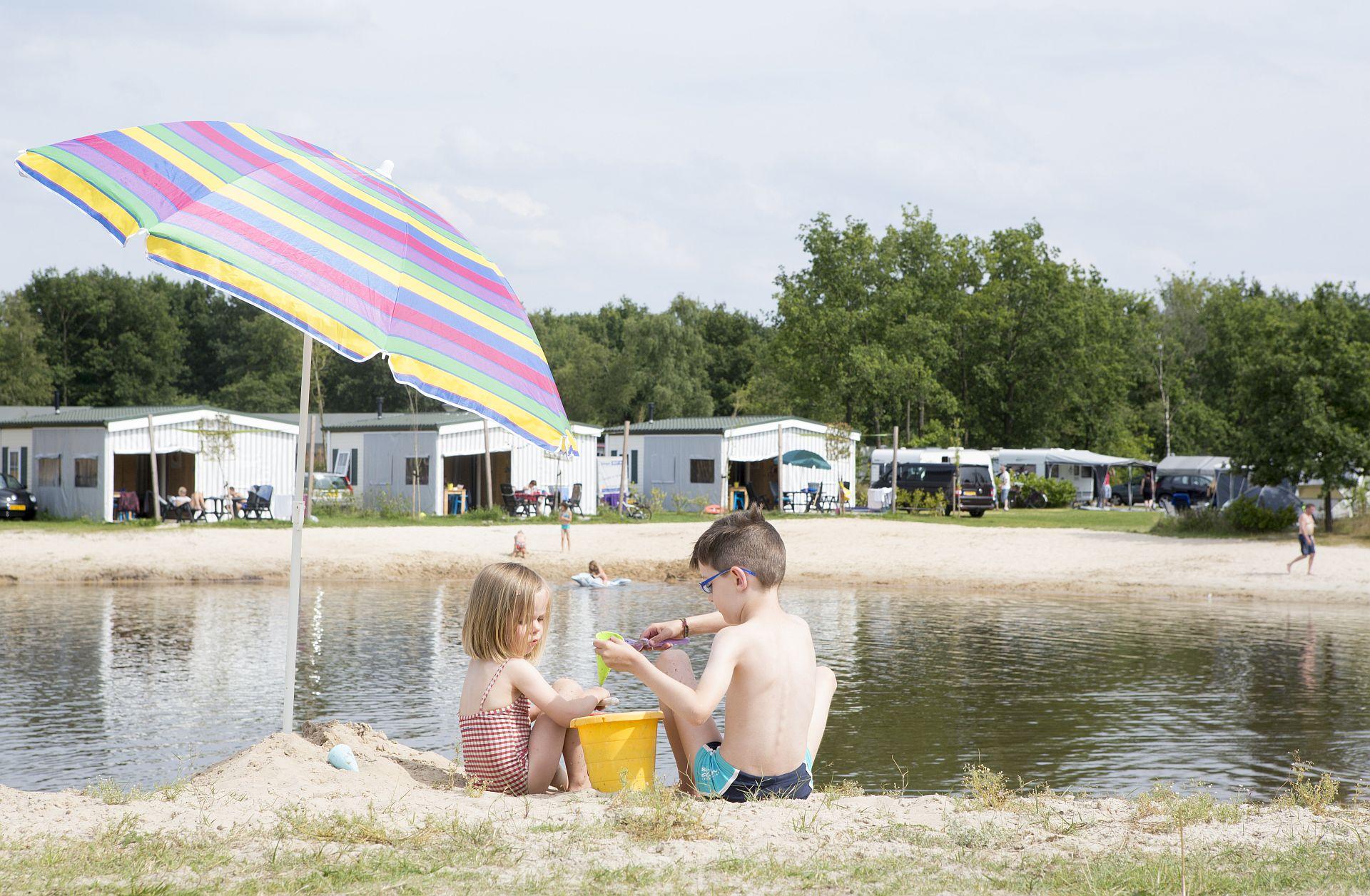 Recreatieplas in Overijssel met o.a. Tubby Splash en glijbanen! - Recreatieplas in Overijssel