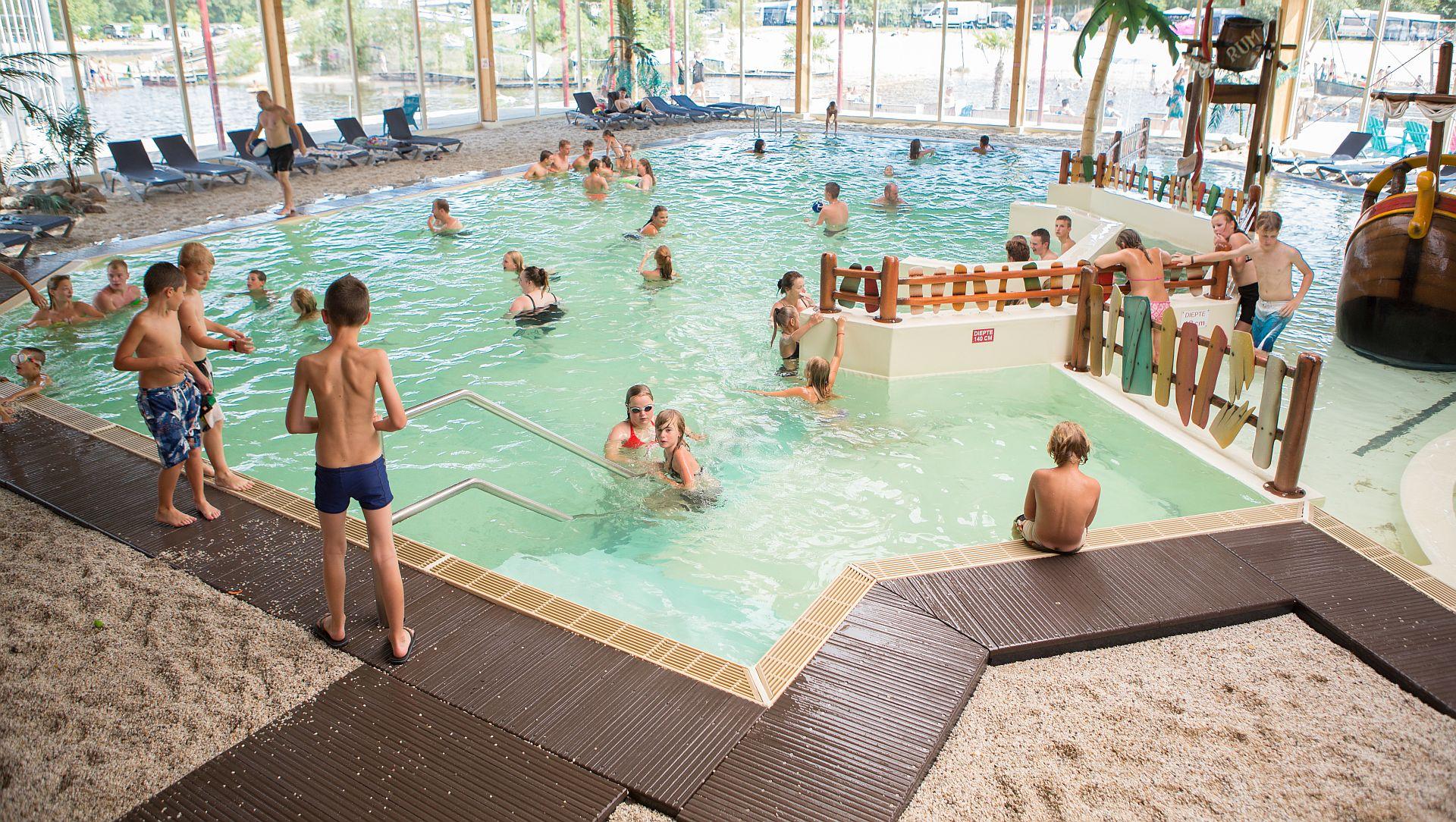 Stacaravan huren op een camping met zwembad - Stacaravan huren op een camping met zwembad