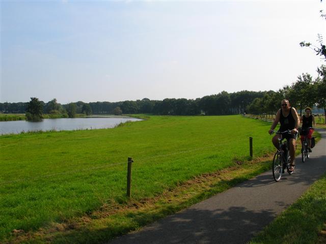 Fietsverhuur in Hardenberg op vakantiepark het Stoetenslagh - Fietsverhuur in Hardenberg