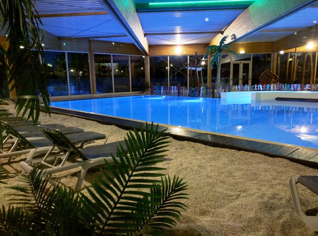Zwembad Hardenberg op vakantiepark het Stoetenslagh - Mooi zwembad in Hardenberg