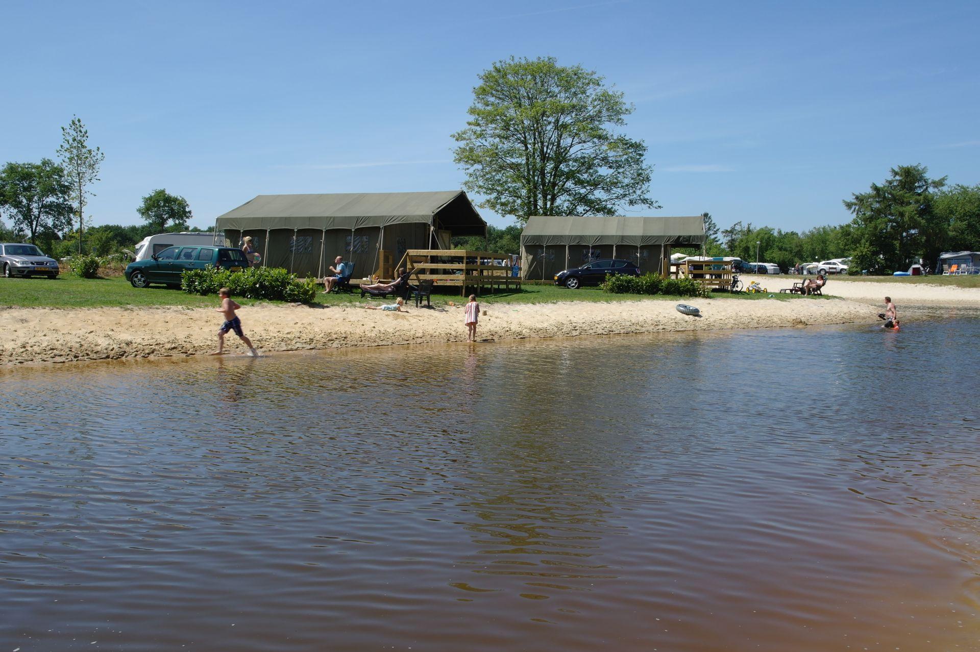 Kampeertent huren in augustus op Vakantiepark het Stoetenslagh - Prachtige kampeertent huren in augustus