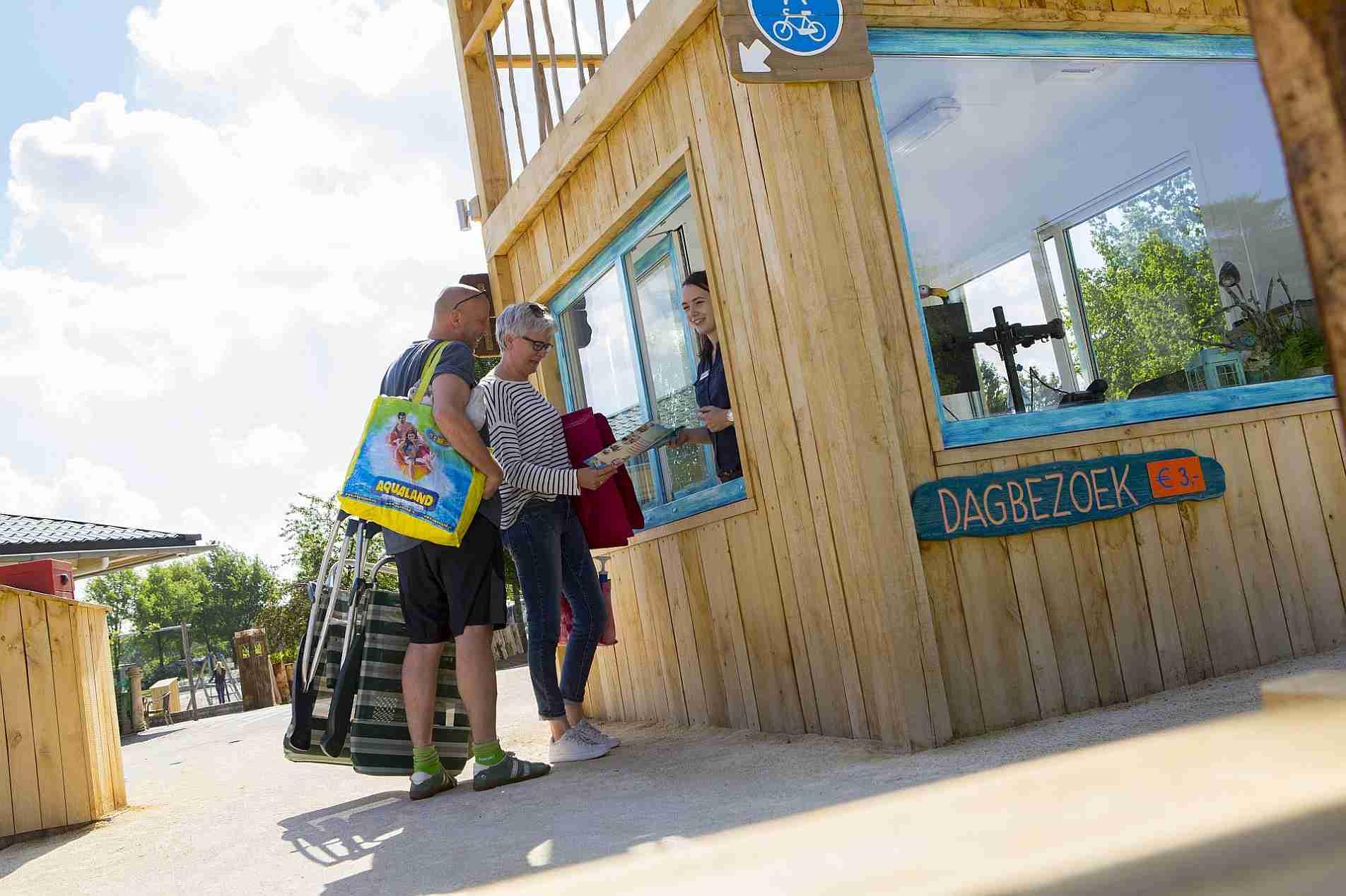 Receptie op Vakantiepark Capfun het Stoetenslagh - Receptie van vakantiepark het Stoetenslagh
