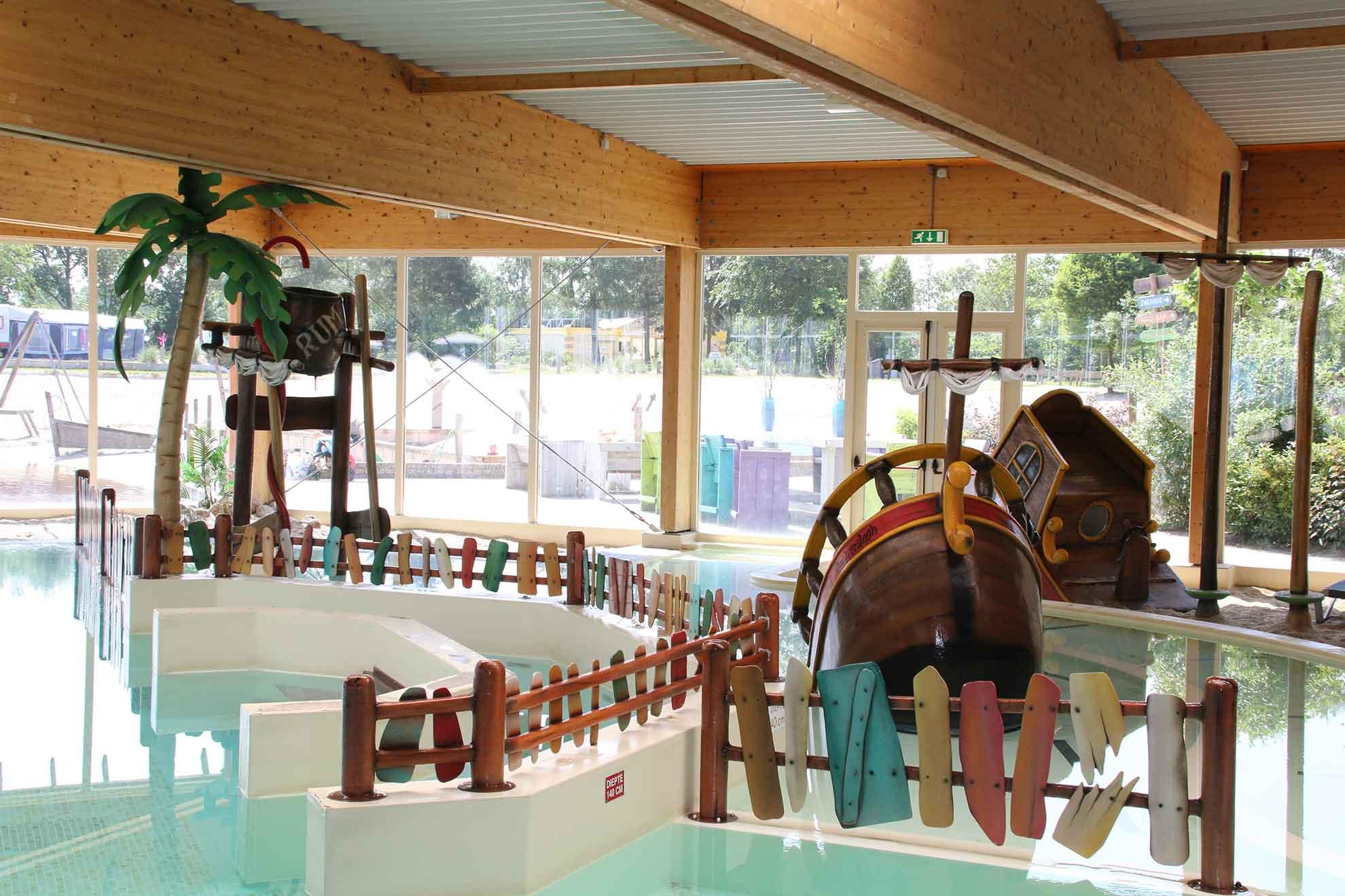 Zwembad reserveren - Leuk vakantiepark met zwembad in Overijssel