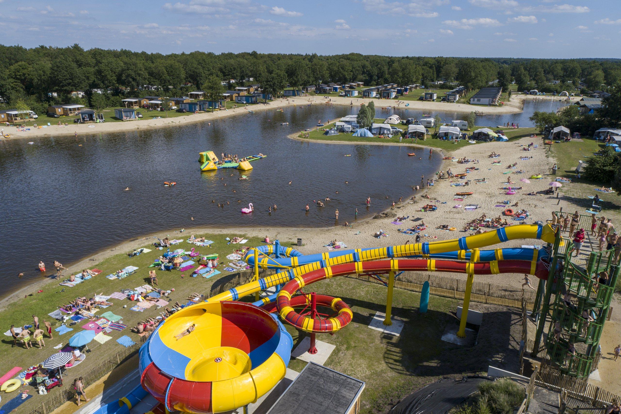 Horeca op camping met een ruim aanbod - Vakantiepark met glijbanen